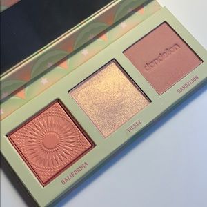 Benefit cheek palette